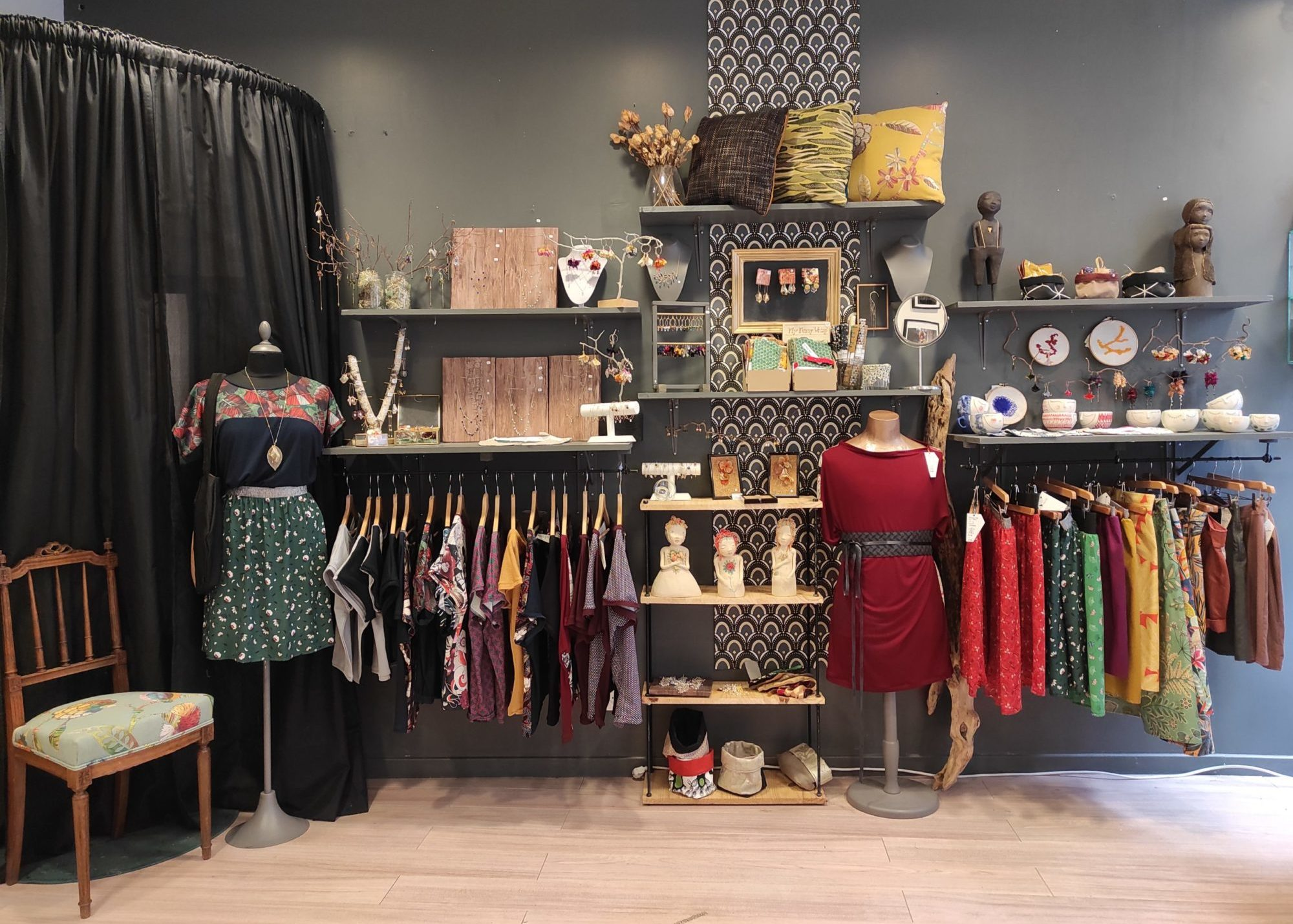 Intérieur de la boutique La Femme à Barbe boutique de créateurs à Saint-Étienne