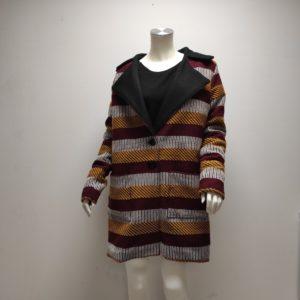 Manteau classique neiva coloré vue de face par Julie Bonnard