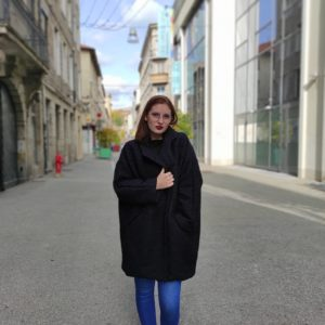 Manteau Yli Over Size porté par Lilly streetlook
